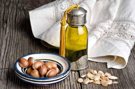Hausmittel gegen trockene Haare : Tipps aus der Natur