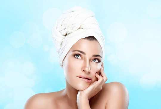 Haarmaske selber machen : mit effektiven Hausmitteln